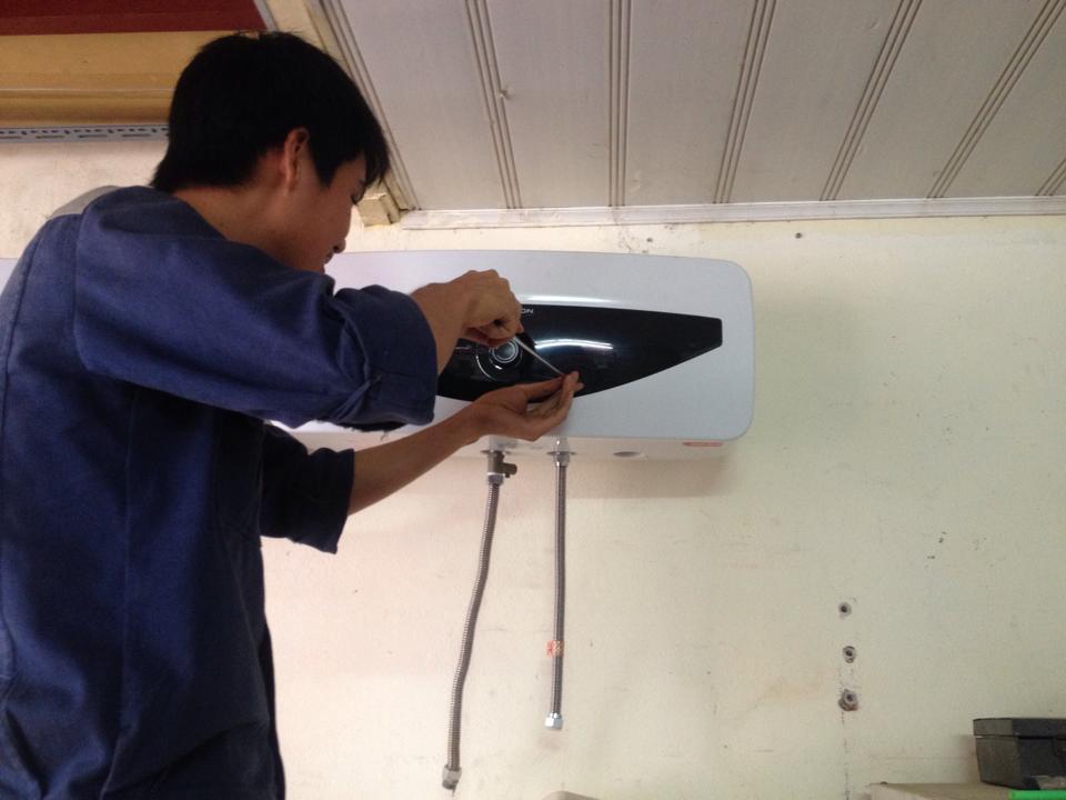 Sửa chữa bình nóng lạnh tại Đống Đa